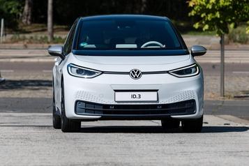 Volkswagen repasse en vert au troisième trimestre, prévisions inchangées)