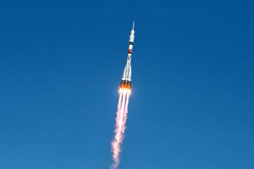 Un équipage spatial s'arrime à l'ISS après un voyage express record)
