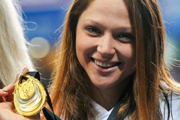 Biélorussie Une championne de natation vend sa médaille d'or pour soutenir l'opposition)