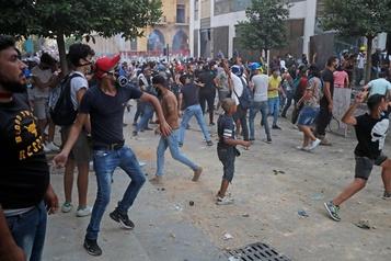 La Presse à Beyrouth: les blessures des manifestants font craindre un durcissement)