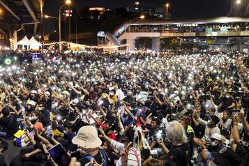 Thaïlande Des milliers de manifestants prodémocratie à Bangkok)