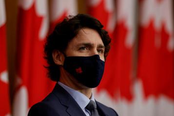 La pandémie ne doit pas effacer les progrès pour les femmes, plaide Trudeau)