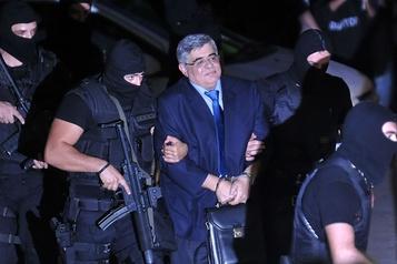Le chef du parti néonazi grec Aube dorée condamné à 13?ans de prison)