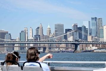 New York renforce les mesures de quarantaine imposées aux visiteurs)