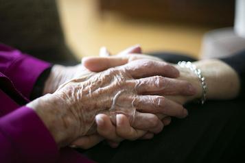 Aide médicale à mourir: plus de 150000répondants à la consultation en ligne