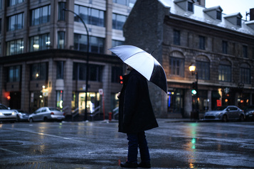 Avertissements de pluie pour plusieurs régions vendredi)