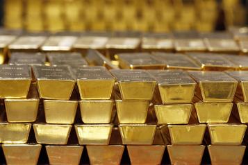 L'or atteint de nouveaux sommets historiques)