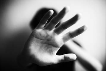 Réflexion: violence conjugale Non, tu ne l'aimes pas! )
