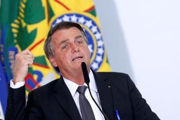 Brésil Le président Bolsonaro hospitalisé pour une occlusion intestinale)