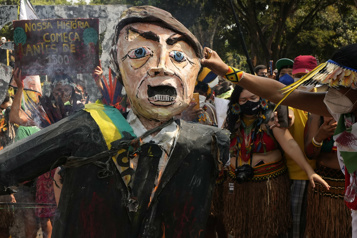 Des milliers de femmes autochtones crient «Bolsonaro dehors!» à Brasilia)