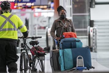 Quarantaine obligatoire Ottawa montre du doigt les voyageurs trop prévoyants)
