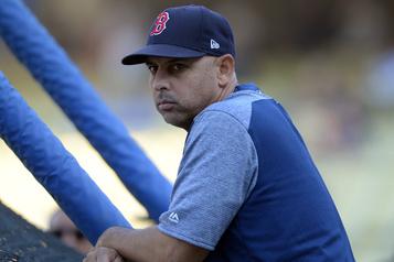 Vols de signaux: les Red Sox congédient leur gérant Alex Cora