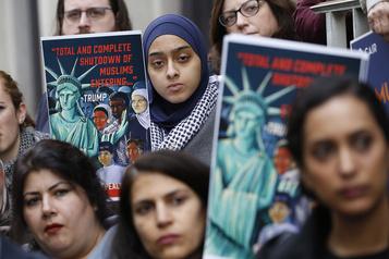 États-Unis Sous l'ère Trump, l'accueil des réfugiés au plus bas)