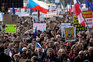 Prague: 250000 manifestants contre le premier ministre