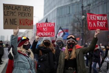 Pologne La quasi-interdiction de l'avortement entre en vigueur)