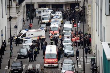 Les médias se mobilisent pour soutenir Charlie Hebdo, de nouveau menacé)