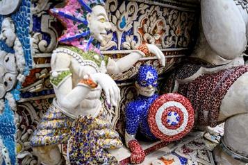 Le bouddhisme autorise toutes les fantaisies en Thaïlande)