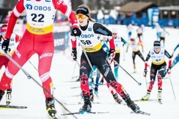 Ski de fond Quatre Québécois avec l'équipe canadienne