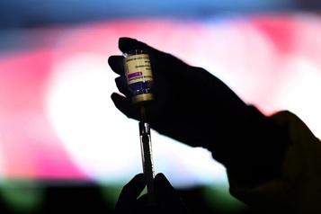 AstraZeneca Le Manitoba ouvre la vaccination aux 40ans et plus)