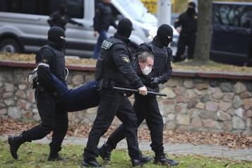 Biélorussie La situation des droits de l'homme continue de se détériorer)