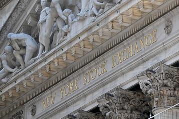 Wall Street en ordre dispersé après les décrets de Trump)