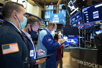Wall Street à de nouveaux records, le Dow Jones à 30 218 points)