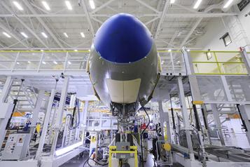 Bombardier Aviation abolit 2500emplois)