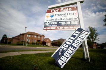 Les ventes de logements au Canada ont grimpé de 76% en mars sur un an)