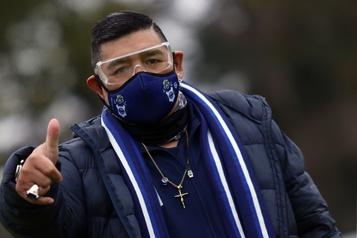 COViD-19 Diego Maradona en isolement préventif)