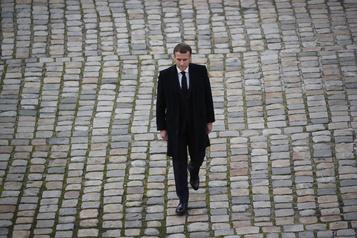 Producteur frappé par des policiers Emmanuel Macron «très choqué» par la vidéo)