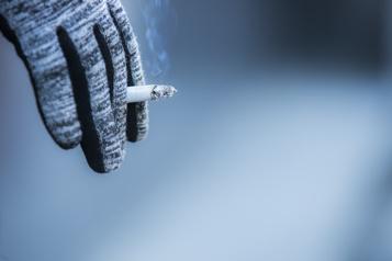 Couvre-feu L'interdiction de vendre du tabac irrite les travailleurs de nuit)