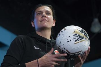 Canada – Pays de Galles Christine Sinclair se blesse lors d'un match amical)
