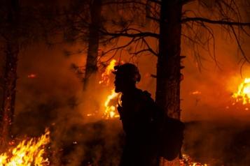 Incendies de forêt en Colombie-Britannique Des températures plus fraîches pourraient venir en aide aux pompiers)
