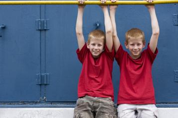 Les vrais jumeaux, pas si identiques qu'on le pense)