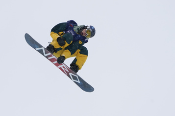 Surf des neiges Liam Brearley décroche l'argent en slopestyle)