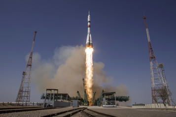 Un Soyouz s'arrime à l'ISS lors d'une mission célébrant Gagarine)