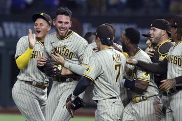 Match sans point ni coup sûr Joe Musgrove devient le premier lanceur de l'histoire des Padres à réussir l'exploit)
