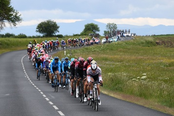Coronavirus: le Dauphiné reporté, le Tour de France sous pression