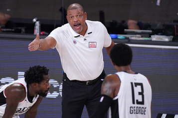 NBA L'entraîneur Doc Rivers quitte les Clippers)