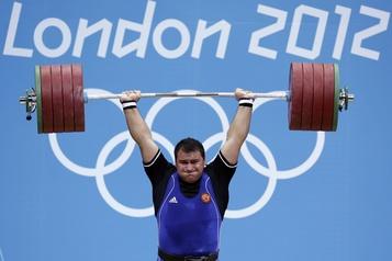 Six haltérophiles russes sont suspendus pour dopage)
