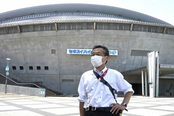 Jeux de Tokyo Les retraités japonais bénévoles en dépit de la COVID-19)
