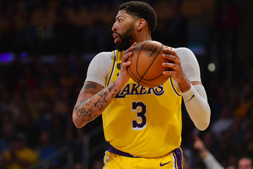 Anthony Davis croit encore plus au titre pour les Lakers après la coupure)