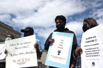 Rassemblement à la mémoire de la victime du 14eféminicide présumé )