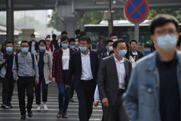 La croissance de la population ralentit en Chine, l'Inde se rapproche)