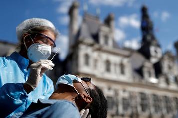Le bilan de la pandémie dans le monde: plus de 941000morts)