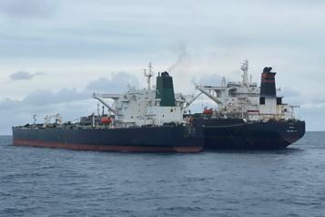 L'Indonésie saisit des pétroliers iranien et panaméen)