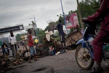 Troubles sanglants au Mali, un influent imam appelle au calme)