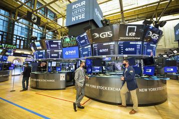 Wall Street galvanisée par une baisse surprise du chômage)