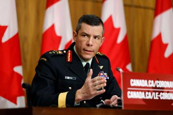 Enquête militaire Le responsable de la vaccination au Canada quitte son poste)