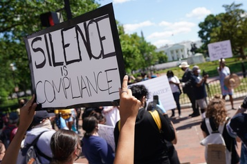 Mort de George Floyd: nouvelles manifestations, Trump fustige les «anarchistes»)